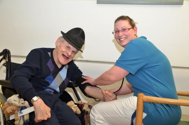 Über die Bedeutung der Biografiearbeit in der Altenpflege